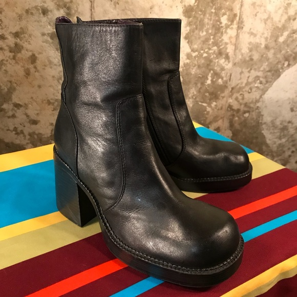 d53c81d4a1301 Vintage 90's Black Rampage Chunky Heel Ankle Boot